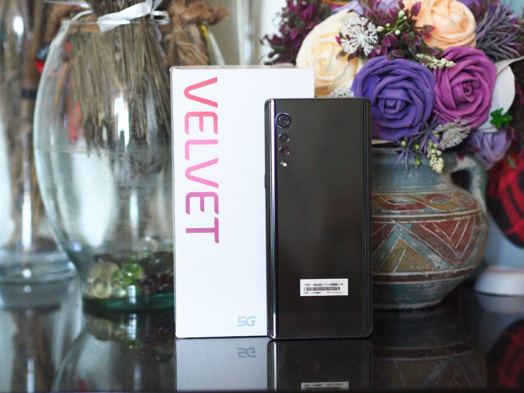 LG_Velvet_back