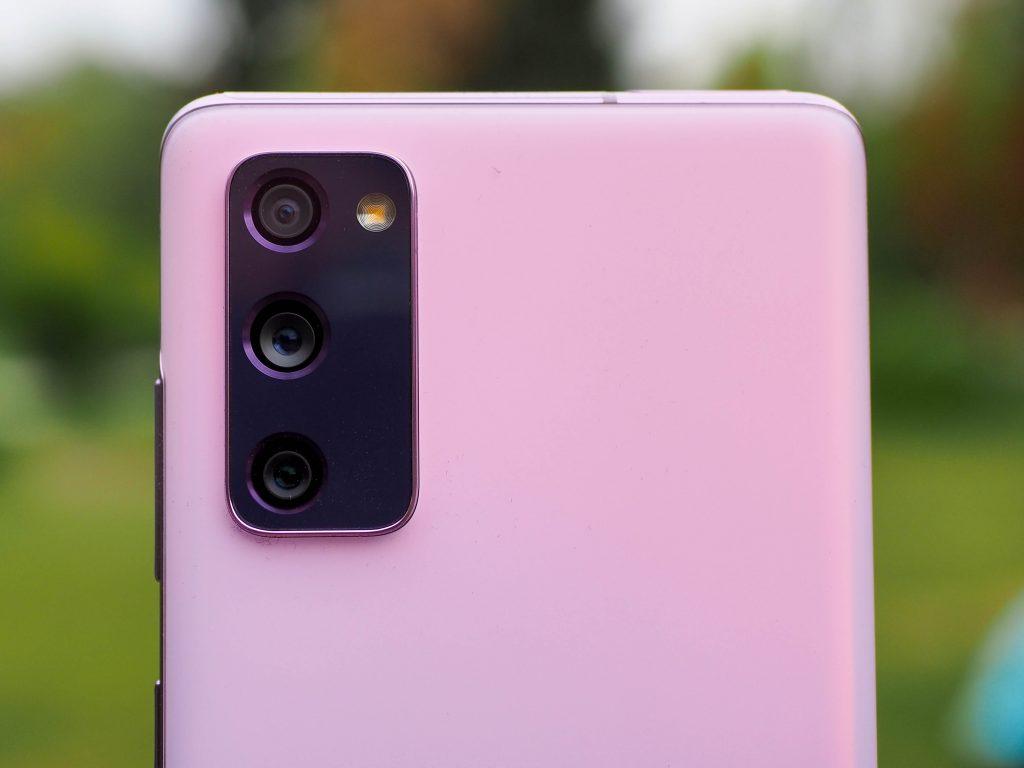 Samsung-S20-FE-cameras